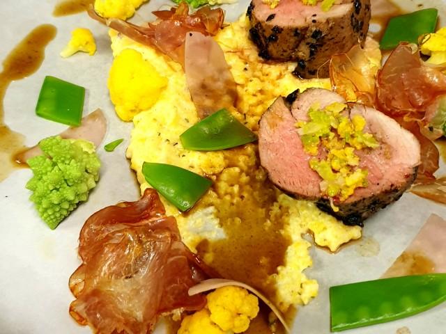 L'Aubépine Filet Mignon de Porc, polenta crémeuse, variation de légumes et jus corsé à l'arabica